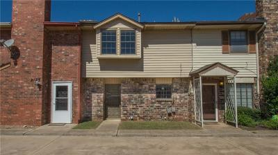 Oklahoma City Condo/Townhouse For Sale: 2127 NW 118th Terrace