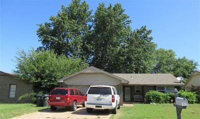 Midwest City Single Family Home For Sale: 9725 NE 2nd Place