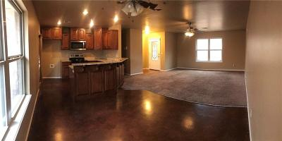 Luther Single Family Home For Sale: 20400 Lazy Lane