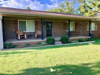 Mustang Single Family Home For Sale: 513 S Lakehoma Place