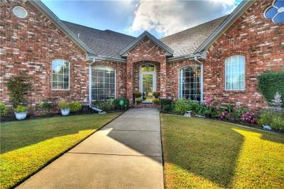 Shawnee Single Family Home For Sale: 605 Pool Place