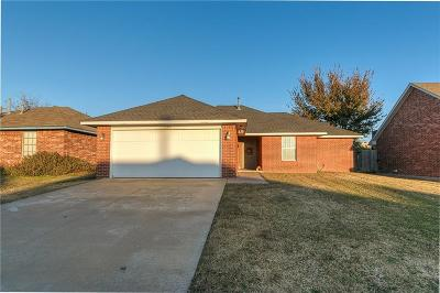 Moore Single Family Home For Sale: 1100 Lawton