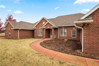 Moore Single Family Home For Sale: 2500 Pioneer Lane