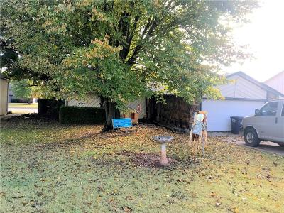 Shawnee Single Family Home For Sale: 815 N Madeline