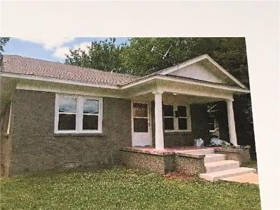 Shawnee Multi Family Home For Sale: 1818 N Market