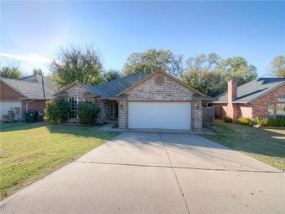 Midwest City Single Family Home For Sale: 817 Hunters Run