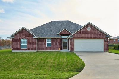 McLoud Single Family Home For Sale: 704 Meleah