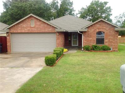 McClain County Single Family Home For Sale: 707 N Monroe