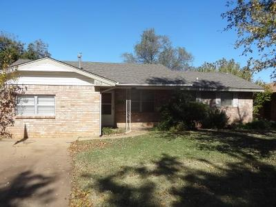 Cordell Single Family Home For Sale: 613 W 10th
