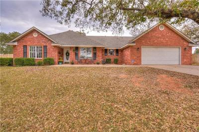 Blanchard OK Single Family Home For Sale: $220,900