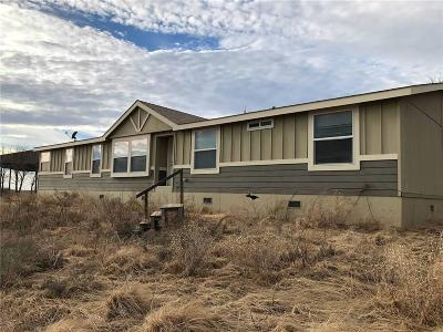 Beckham County Single Family Home For Sale: 17722 Hwy 66