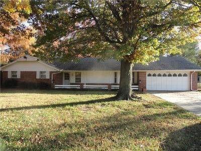 Moore Single Family Home For Sale: 936 NW 34th Street