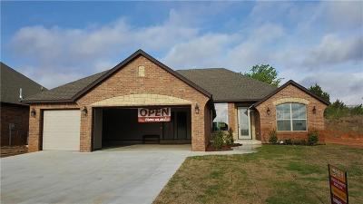 Moore Single Family Home For Sale: 3605 Rita
