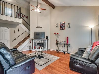 Oklahoma City Condo/Townhouse For Sale: 8721 N Roxbury