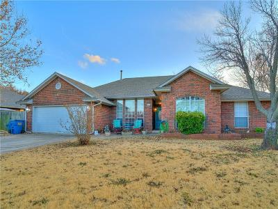 Mustang Single Family Home For Sale: 1600 N Locust Terrace