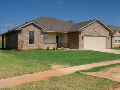 Yukon Single Family Home For Sale: 4617 Wagner Lake Drive