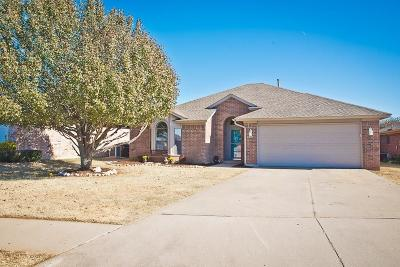 Moore Single Family Home For Sale: 2304 Westchester Drive