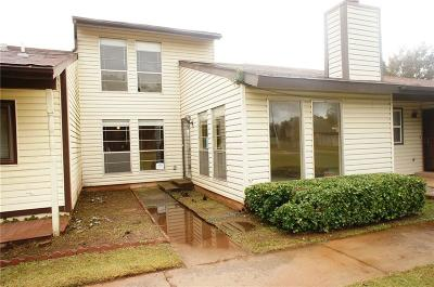 Canadian County, Oklahoma County Condo/Townhouse For Sale: 4603 Hemlock