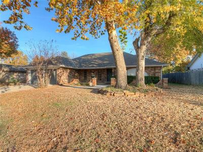 Oklahoma City Single Family Home For Sale: 9800 Hummingbird Lane