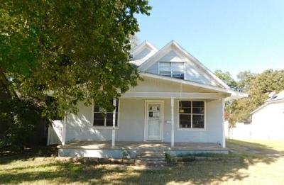 Shawnee Single Family Home For Sale: 316 N McKinley Avenue