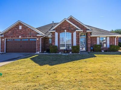 Midwest City Single Family Home For Sale: 11512 Devonbrook Court