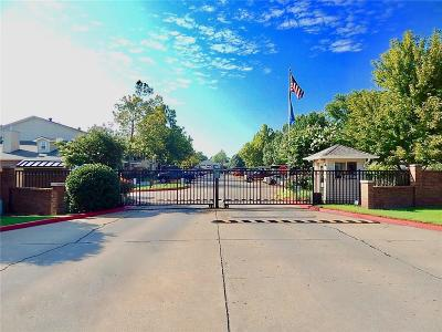 Canadian County, Oklahoma County Condo/Townhouse For Sale: 3200 W Britton Road #34
