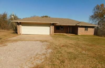 McClain County Single Family Home For Sale: 20605 State Highway 39