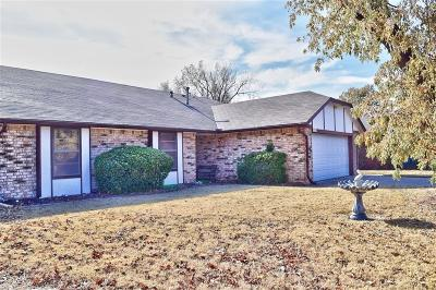 Edmond Single Family Home For Sale: 1006 W Neptune