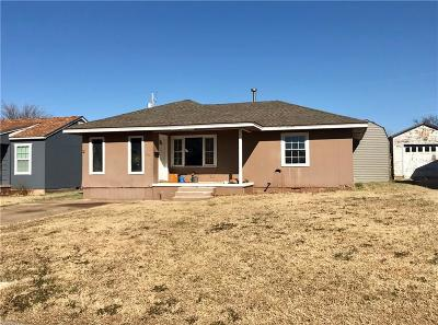 Beckham County Single Family Home For Sale: 116 Thornton