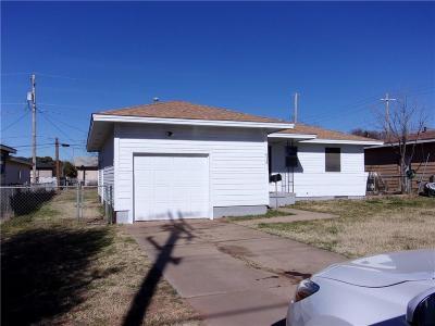 Altus Single Family Home For Sale: 513 W Bradford Avenue