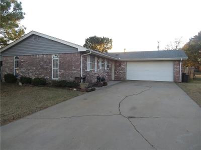Lincoln County Single Family Home For Sale: 1109 Meadowbrook Lane