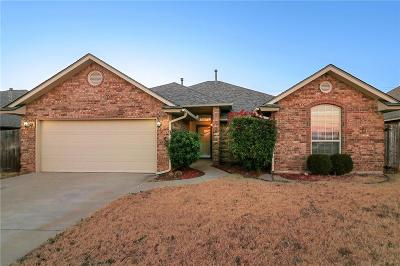 Moore Single Family Home For Sale: 2805 Christina