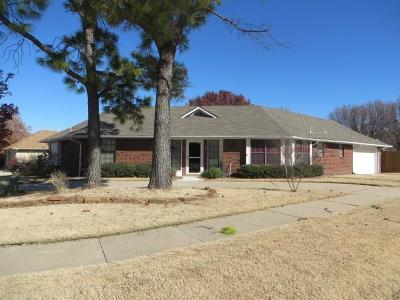 Single Family Home Sold: 1501 Oriole Drive