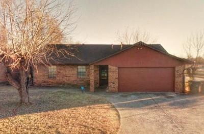 Del City Single Family Home For Sale: 3300 Overland