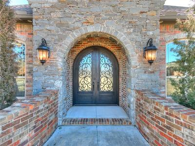 Single Family Home For Sale: 126 Castle Gate Drive
