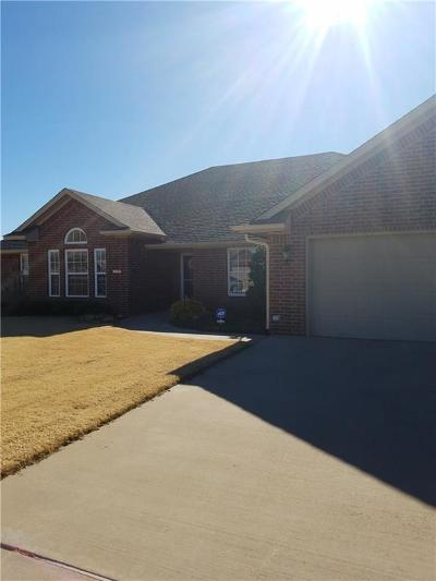 Altus Single Family Home For Sale: 1824 Foxtail Circle