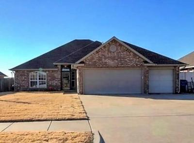 Mustang Single Family Home For Sale: 1117 S Oakey Court