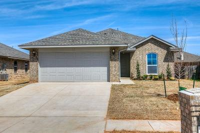 Single Family Home For Sale: 813 Caracara Drive