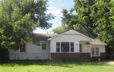 Midwest City Single Family Home For Sale: 1012 N Locust