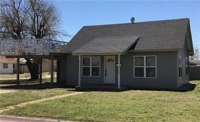 Weatherford Single Family Home For Sale: 402 W Arapaho Avenue