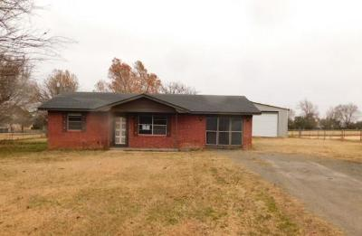 Chickasha OK Single Family Home For Sale: $53,650
