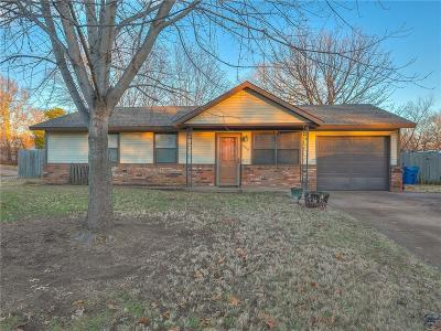 Perkins OK Single Family Home For Sale: $112,500