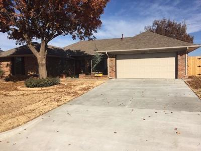 Oklahoma City Single Family Home For Sale: 12812 Burlingame