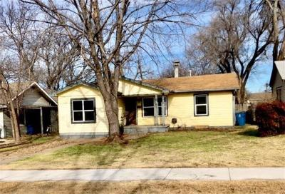Edmond Single Family Home For Sale: 325 W Main