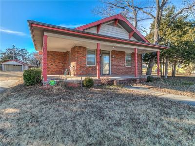 Shawnee Single Family Home For Sale: 1116 N Broadway Avenue