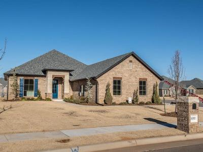 Moore Single Family Home For Sale: 16901 Madrid Circle