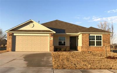 Mustang Single Family Home For Sale: 1809 W Antler Way