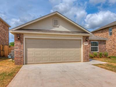 Midwest City Single Family Home For Sale: 932 Klare Lane