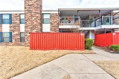 Norman Condo/Townhouse For Sale: 3003 River Oaks Drive #111
