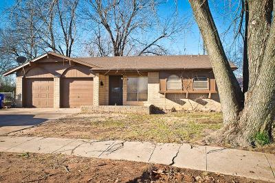Norman Single Family Home For Sale: 1302 Columbia
